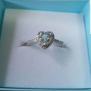 Jewelry - Engagement ring 10k white gold 1.04ct